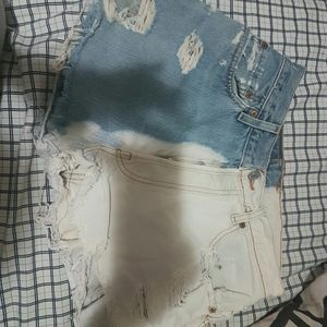 Cute half blue and white levi shorts